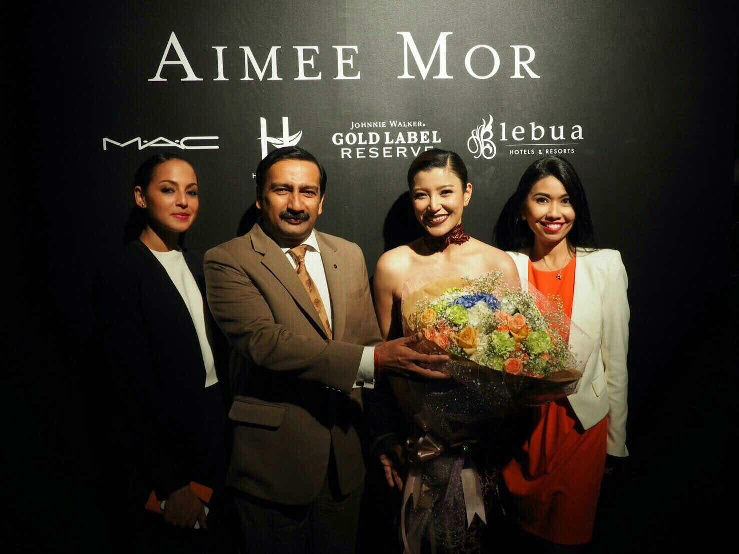 lebua Hotels & Resorts congratulates Miss Thailand Universe 2004 Aimee Morakot at the fashion show