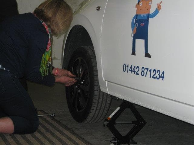 Roy Chapman Ltd Gives Confidence To Female Drivers