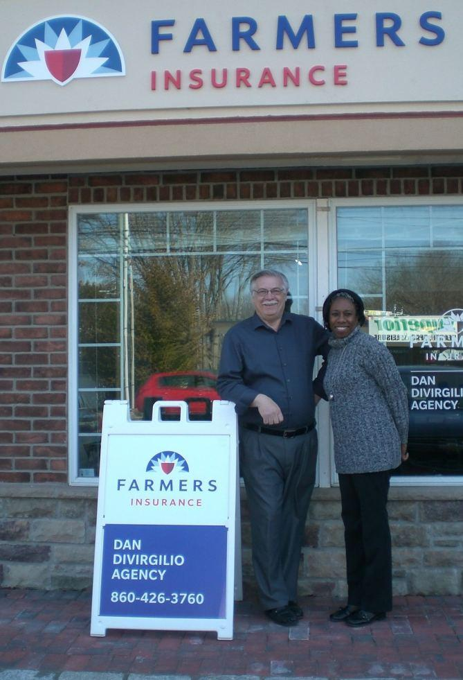 Dan DiVirgilio Opens Farmers Insurance Agency in Southington Offering Special Discounts