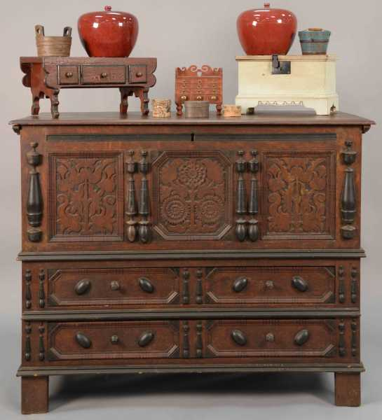 Early and important Connecticut sunflower chest, circa 1703-1704, will headline Nadeau's October 21st fall auction