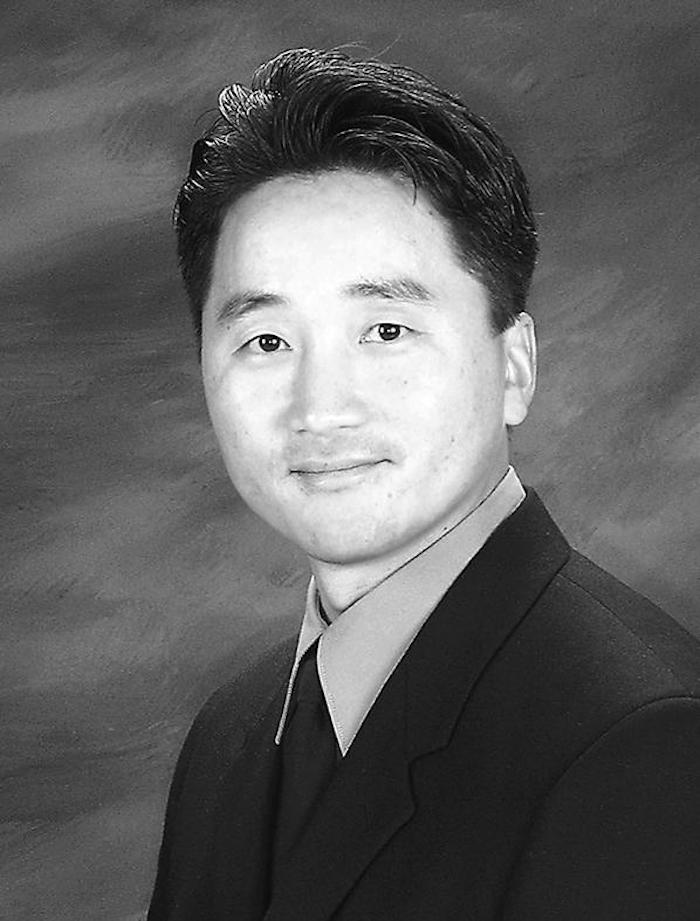 """Dr. John S. Kim speaks at """"From Injury to Addiction"""""""