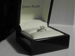Howiboughtherring.com Provides Actual Customer Experiences from James Allen Diamond Ring Store