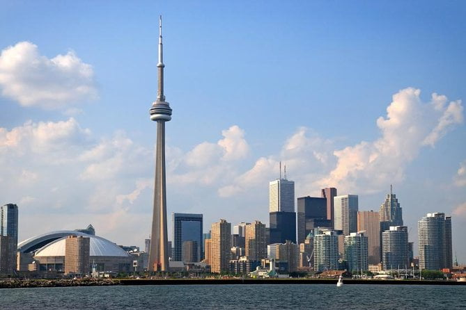 Why are students choosing Canada for their higher education?