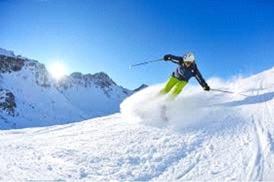 Head to Narkanda For a Ski Adventure