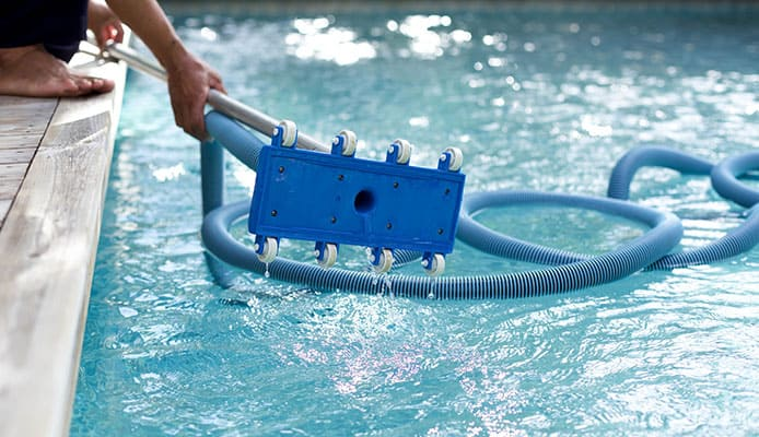 How to Use a Manual Pool Vacuum — a Step-by-Step Tutorial