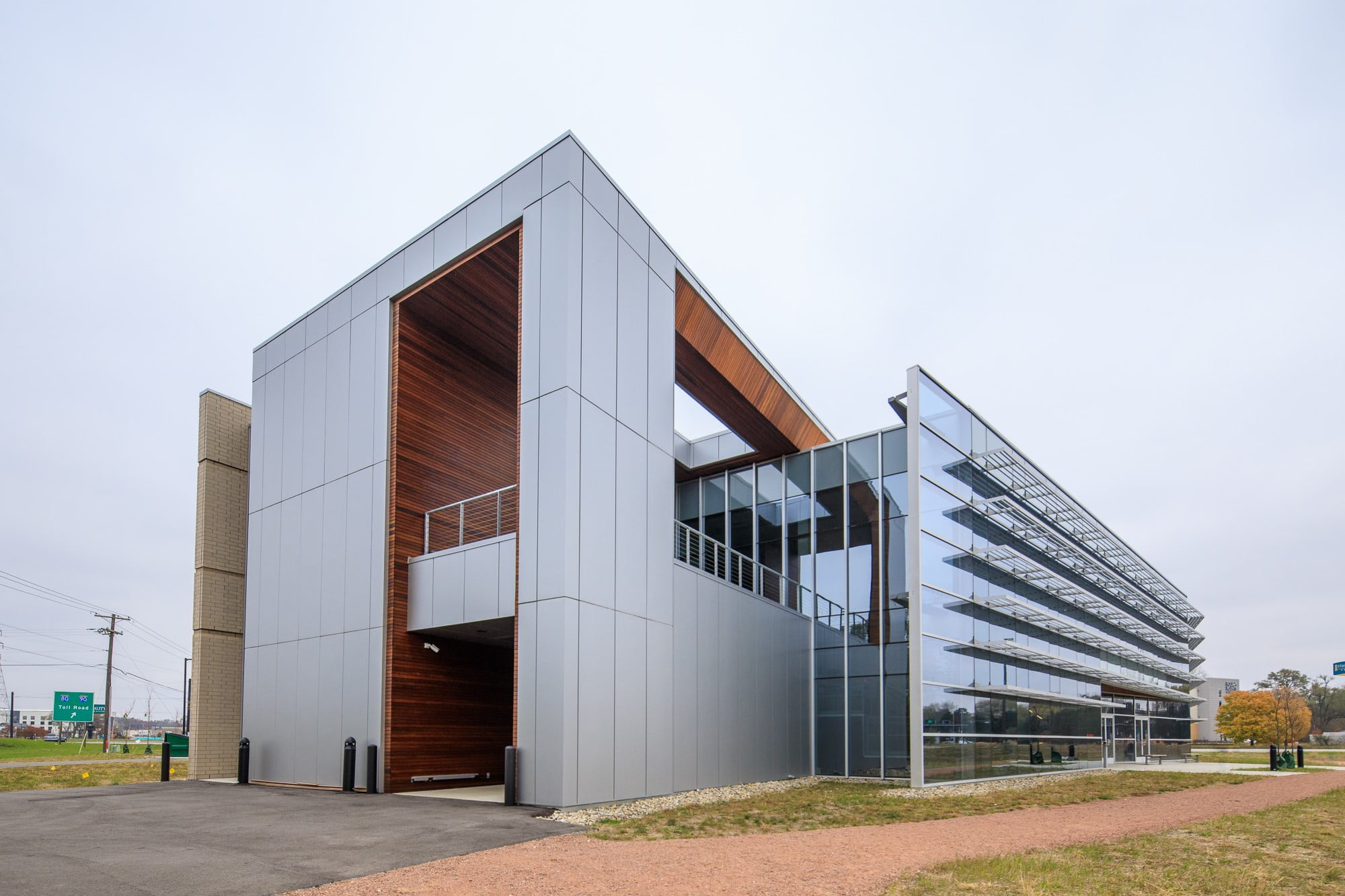 Indiana Toll Road Administration Building Achieves First LEED Gold Certification in Indiana Under New Guidelines
