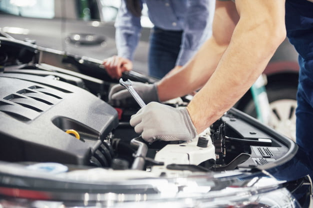 How to Avoid Getting Ripped Off When Going to an Auto Mechanic