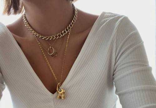 How to Combine Earrings Chain to Look Stylish?
