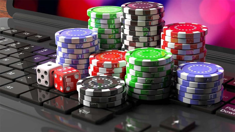 How to Play and Win More at Online Casinos