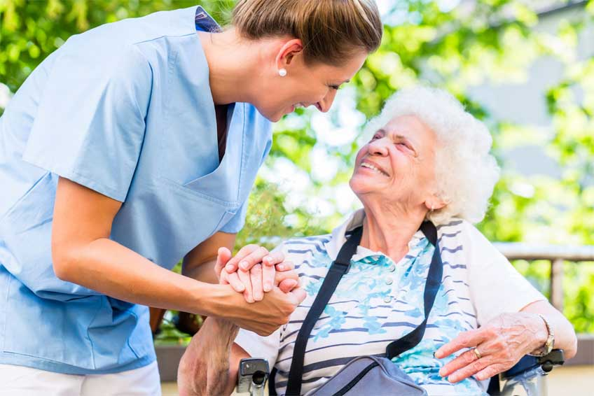 The benefits of moving your aging relatives to a senior living facility