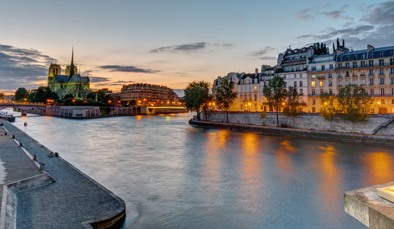 What Can You Do On a Night in Paris When Traveling With Family
